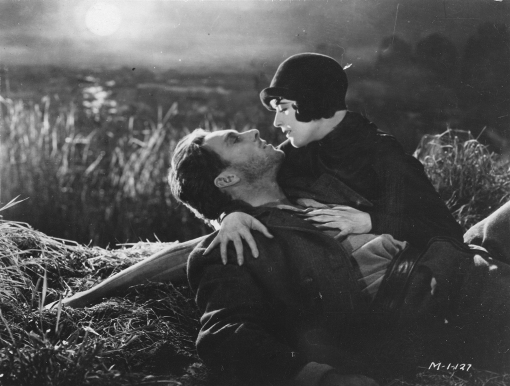 "Film: Sunrise Dir: F.W Murnau Date: 1927 US SOURCE CREDIT - ""British Film Institute""   Reproduction of this image requires the appropriate copyright clearance. In making this image available, the bfi confers no licence to use or copy the image. All copyright clearance is the responsibility of the user.   In consideration for making this image available, the user hereby agrees to indemnify the bfi against any claim or liability arising from the use of this image.   The information service of the bfi National Library may be able to carry out copyright ownership research on your behalf. Fax +44 (0) 20 7436 0165 for details of services and costs.   British Film Institute 21 Stephen Street London W1T 1LN  Tel +44 (0) 20 7255 1444 http://www.bfi.org.uk/"